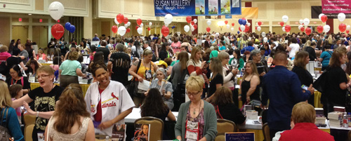 Guinness was on hand to certify this as the largest booksigning ever!