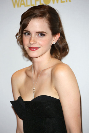 Emma Watson: Look at that kinky little key on her necklace. Whose collar (or heart) do you suppose it unlocks?
